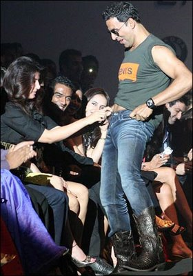 Akshay twinkle unbutton the Jeans